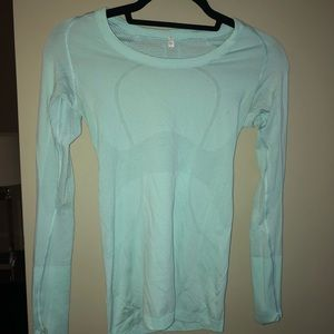 light blue lulu lemon long sleeve